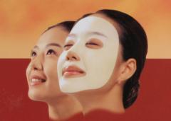 日本女性マスクパック